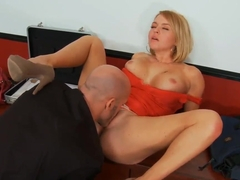 Derrick Pierce tastes amazingly sweet pussy at the office