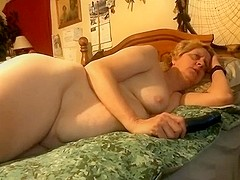 Chelle engulfing and masturbating pt. 1