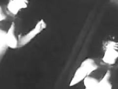 BOUNCING BOOBS GO - GO DANCE - vintage curvy sixties retro