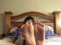 Revenge of the Barefoot MILFie Who Shows Her Soles - JOI
