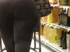 Candid SSBBW thunder thighed wide hips MILF