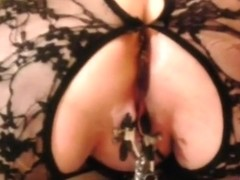 4 chained labia and fingering