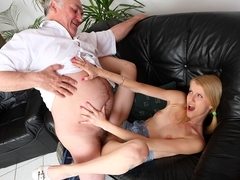 Older man licks shaved pussy and fucks hot body - OldGoesYoung