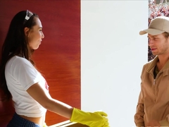 Naughty babe Aidra Fox seduces hung stud and sucks him off