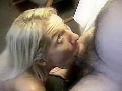 My wifey cindy deepthroating her bull