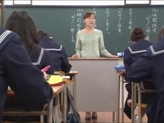 Japanese teacher gives a valuable lesson