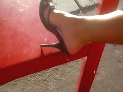 relaxing feet with my sexy mules sexy heels relajando mis pies con mis tacones sexys