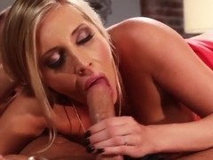 Samantha Saint likes doing 69 with her BF