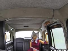 Masked hottie sucks in fake taxi