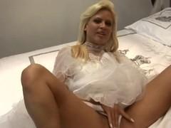 Sweet pornstar Honey Summer has wedding adventure