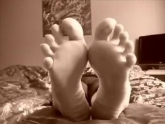 girls feet tickling