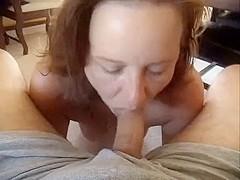 Hawt Mamma Blows mans Knob and Make Him Cum Hard in Her Mouth