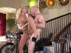 Blonde porn star Alexis fucking while standing