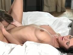 Lesbea HD Mature woman has great ass spread wide open