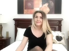 hothellen non-professional episode on 2/2/15 13:35 from chaturbate