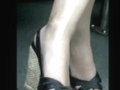 candid feet 4 (hot milf)