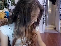 A teen beauty teases me on webcam