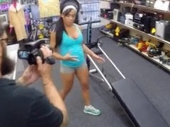 Gym trainer pawns her pussy and pounded at the pawnshop
