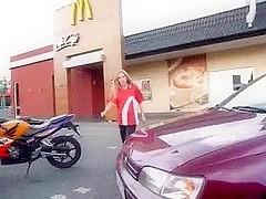 Sex bei McDonalds: Einmal das Fickmenu bitte