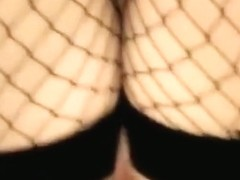 Hot russian girl fucks her bf and ducks away for the cumshot