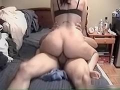 Big butt gf rides cock with her ass