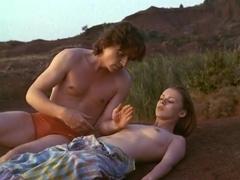Emmanuelle Debever,Lisa Heredia,Catherine Griffoni in Un Jeu Brutal (1983)