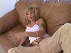 Lascivious mother i'd like to fuck engulfing rod