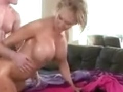 Cougar bonks the Masseuse