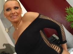 Milf Thing MILF Vinnie wants two guys to tear her up