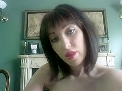 Lipstick fetish fun on webcam