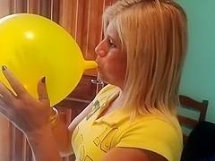 Blond woman B2p yellow