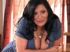 Busty mommy Sophia Lomeli sucking the good cock