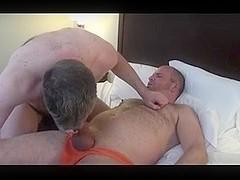 Dan Lair pone el culo y Scott Spears se lo peta