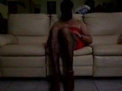 fondles sur le sofa en collant fantaisie