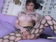 Redhead coed Indigo Augustine is masturbating