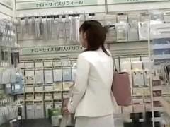 Store sharking encounter with slender marvelous slag being totally surprised