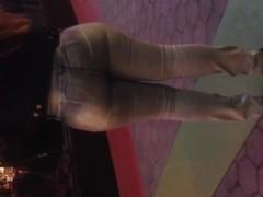 Big booty Latina Milf wow