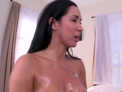 Busty Latina MILF Isis Love gets pussy filling