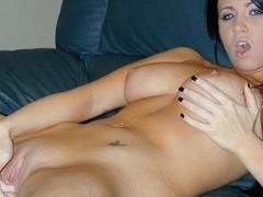 Sexy Girlfriend Chloe J Wants to Get Sticky