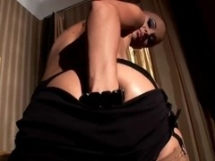 Magnetic babe in stockings playing with twat