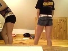 White girls Twerk it