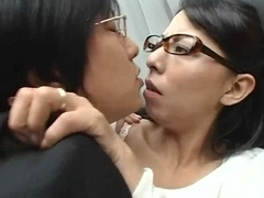mamma having sex whilst her daughter studying 1