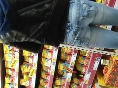 Kleiner Popo in Jeans !!!