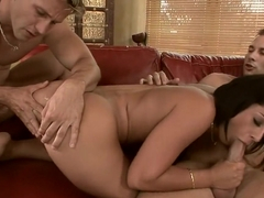 Cassy's first double drilling makes her hot body tremble with delight