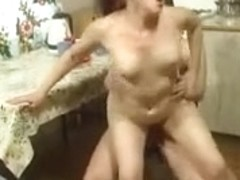 Aged mother screwed by her neighbor chap - Rayra