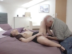 DADDY4K. Red-haired gal couldn't resist to charms of handsome old man