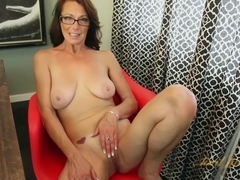 Mimi Moore in Masturbation Movie - AuntJudys