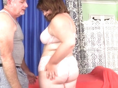 Cute and Chubby Maxi Pleasures Receives a Raunchy Rubdown