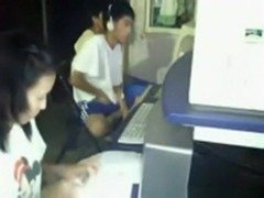 Crazy asian guy masturbates in a cybercaf?©. like a boss !!!